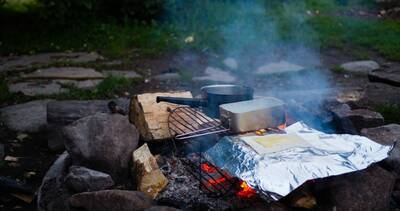 lukas de clercq backpacking and photography camp cooking