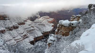 winter hiking in the grand canyon featured