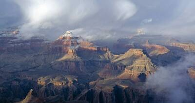 winter hiking in the grand canyon clouds