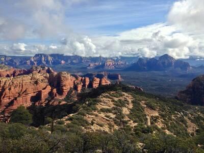 bear mountain trail in sedona view towards sedona