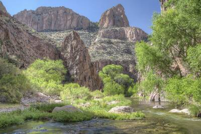 aravaipa canyon wilderness BLM stunning epic spring hikes