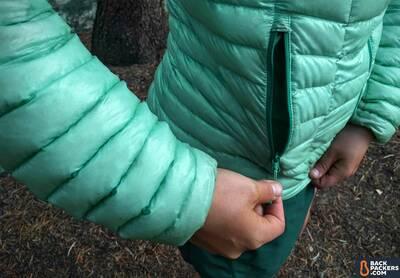 Mountain-Hardwear-Ghost-Whisperer-Hooded-review-zippered-pocket