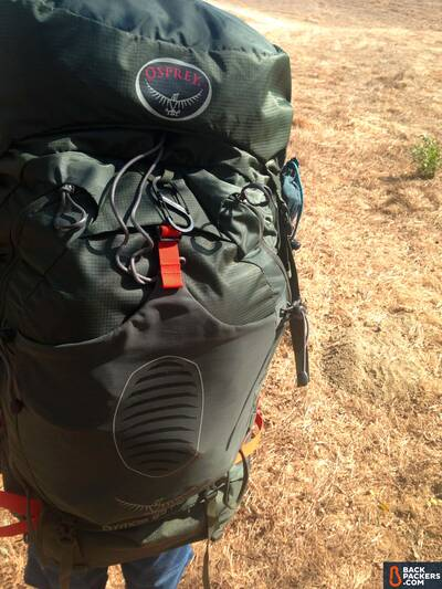osprey-atmos-65-ag-hiking