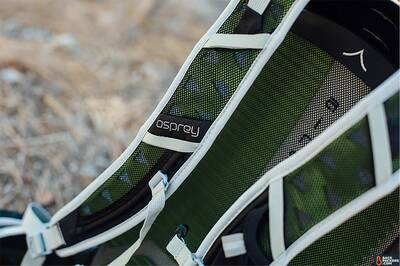 osprey-talon-22-airvent-shoulder-straps