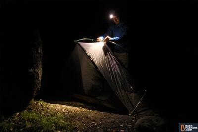 Zebralight-H52w-setting-up-tent