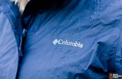 columbia arcadia ii affordable rain jacket wet-logo-shot