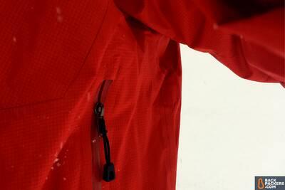 Patagonia M10 ultralight hardshell Rain Jacket hand pocket