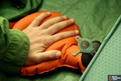 hand pump flat valve camping sleeping pad guide