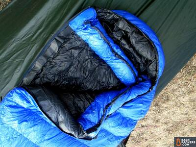 Western-Mountaineering-UltraLite-review-sleeping-bag-down-collar-hood