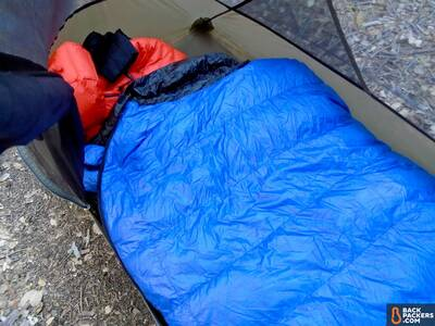 Western-Mountaineering-UltraLite-review-sleeping-bag-in-tent