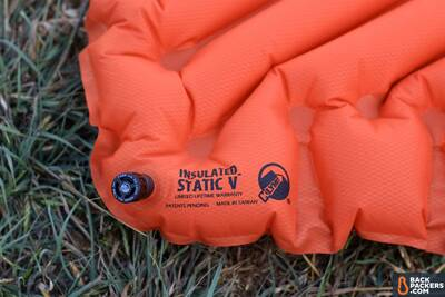 Klymit-Insulated-Static-V-review-twist-and-pull-valve-logo