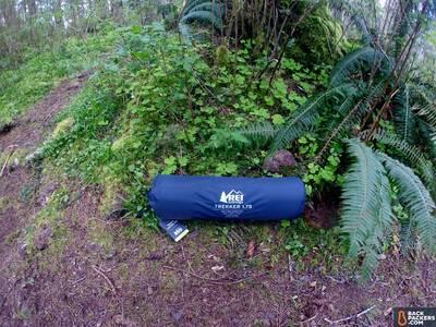 rei-trekker-1.75-self-inflating-packed-up