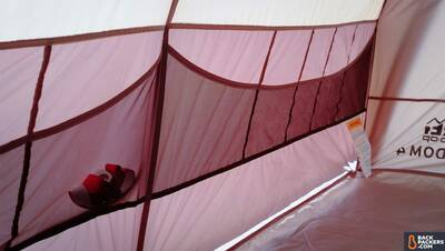 REI-Kingdom-4-Tent-interior-pockets