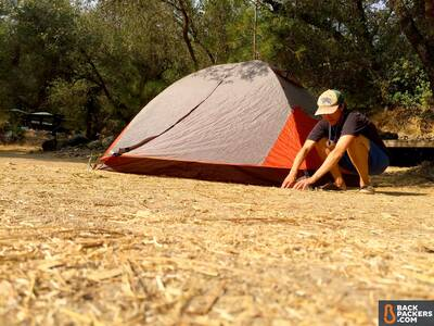Alps-Mountaineering-Lynx-4-review-tied-off