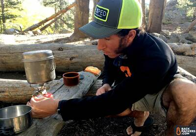 snow-peak-gigapower-review-adjusting-the-stove