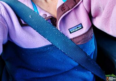 Patagonia-Lightweight-Synchilla-Snap-T-review-in-the-car