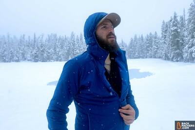 Outdoor-Research-Ascendant-Hoody-review-chest-zip-in-snow-3