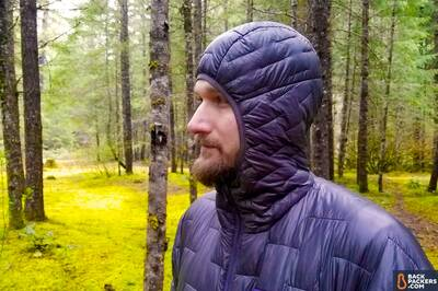Patagonia-Micro-Puff-Hoody-review-hood-cinched-up-2