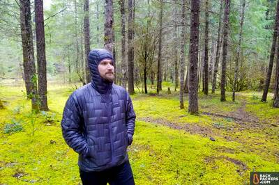 Patagonia-Micro-Puff-Hoody-review-hood-cinched-up-3