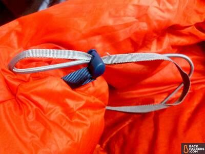 REI-Magma-10-Sleeping-Bag-review-fraying-hood-adjustment-1