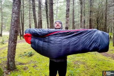 REI-Magma-10-Sleeping-Bag-review-holding-bag-