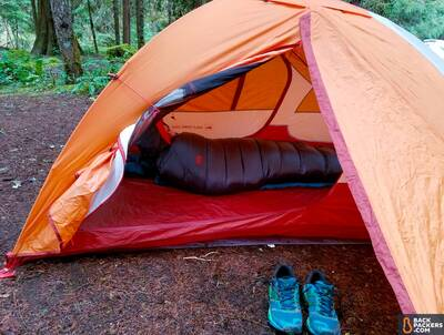 REI-Magma-10-Sleeping-Bag-review-outside-tent