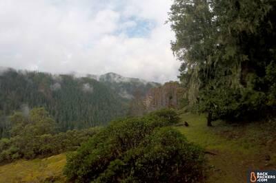 rei-magma-10-review-north-umpqua-trail-clouds