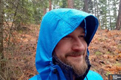 Zpacks-Vertice-review-wet-hood-with-patagonia-micro-puff