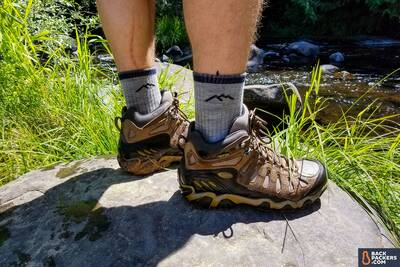 Oboz-Sawtooth-Mid-Waterproof-review-on-a-rock