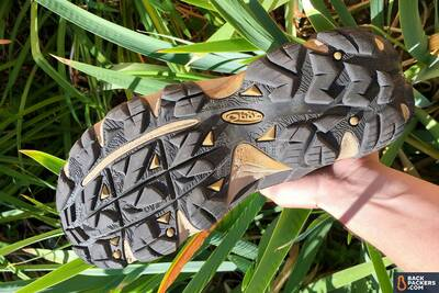 Oboz-Sawtooth-Mid-Waterproof-review-soles