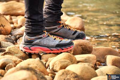 HOKA-ONE-ONE-Tor-Ultra-Hi-WP-Review-uppers-and-midsole