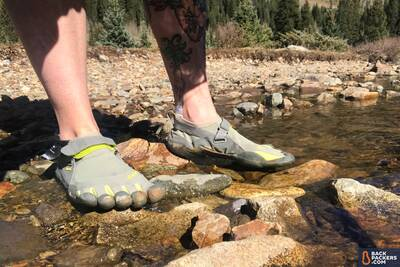 Vibram-KSO-Five-Fingers-Review-in-water-4