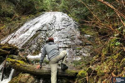 Arc'teryx-Fortrez-Hoody-review-scrambling-over-rivers