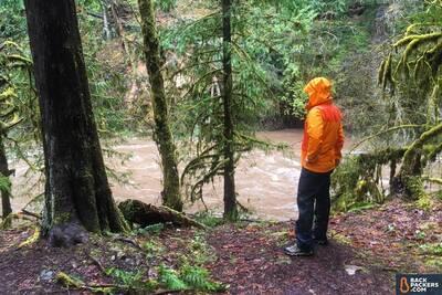 Marmot-PreCip-Pants-review-on-a-hike