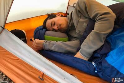Sea-to-Summit-Aeros-Pillow-Premium-review-nap-time