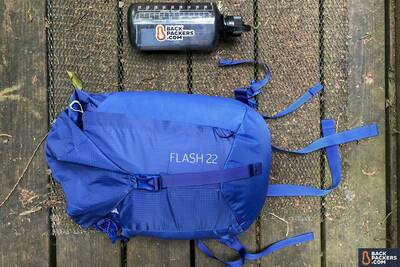 REI-Flash-22-review-packed-up-size-comparison