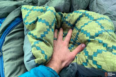 Therm-a-Rest-Compressible-Pillow-review-hand-compression