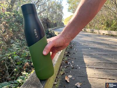 LARQ-Bottle-Movement-on-path-with-hand