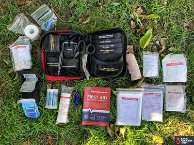 Surviveware-Small-First-Aid-Kit-unpacked