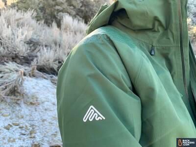 Cortazu-Mountain-Hard-Shell-shoulder-and-logo
